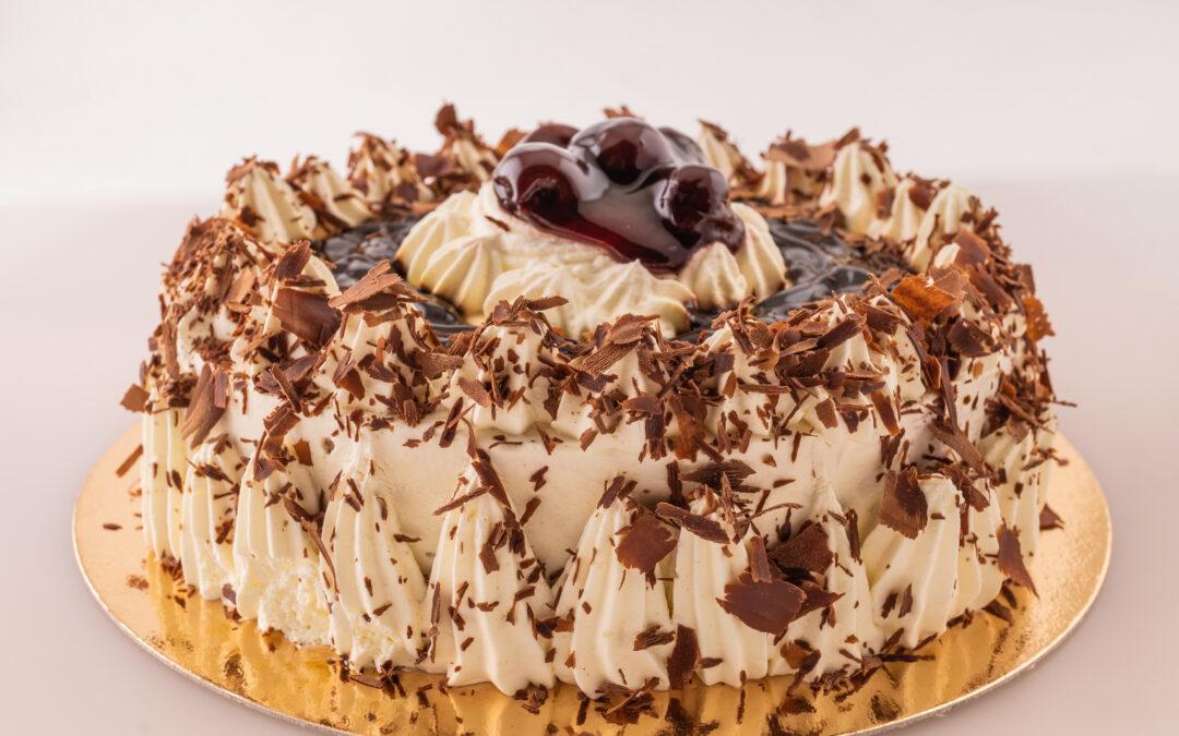 BLACK FOREST – пухкава торта с шоколадов пандишпан